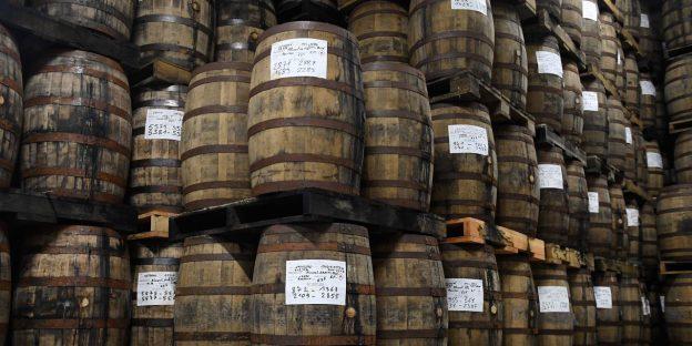 Dana ini mempertaruhkan jutaan dolar pada wiski Kentucky dan mengubahnya menjadi aset kripto. Inilah alasannya