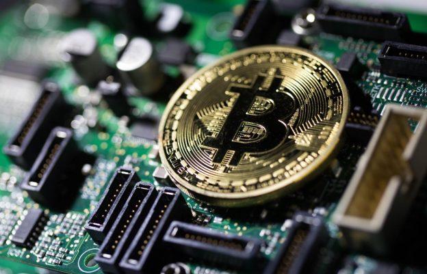 Harga Cryptocurrency: Bitcoin (BTC XBT USD) Reli Mendorong Minggu Terbaik Sejak 2017