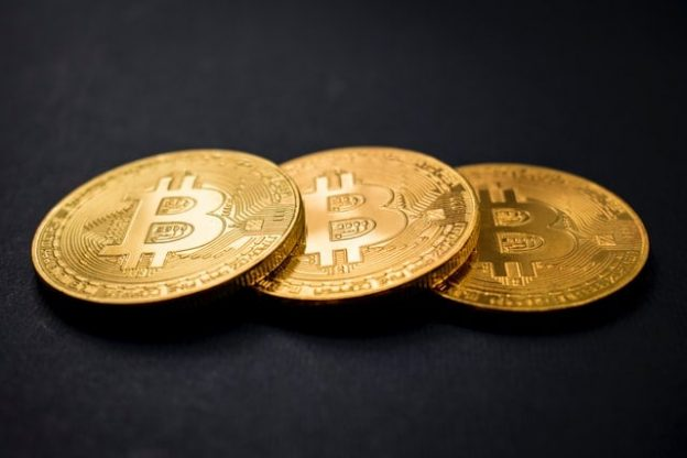 5 Penipuan Bitcoin dan Kripto Teratas • Benzinga