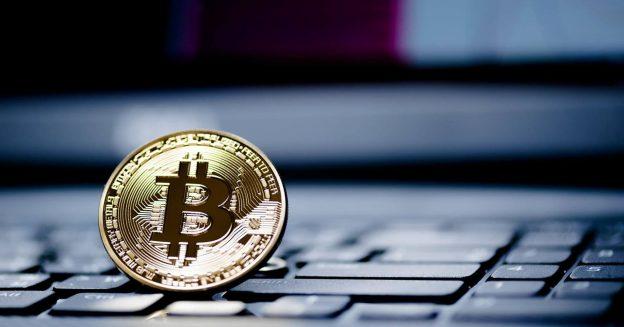 """Bitcoin Menjadi """"Lubang Hitam Supermasif""""; Memegang Aset Lain Tidak Masuk Akal"""