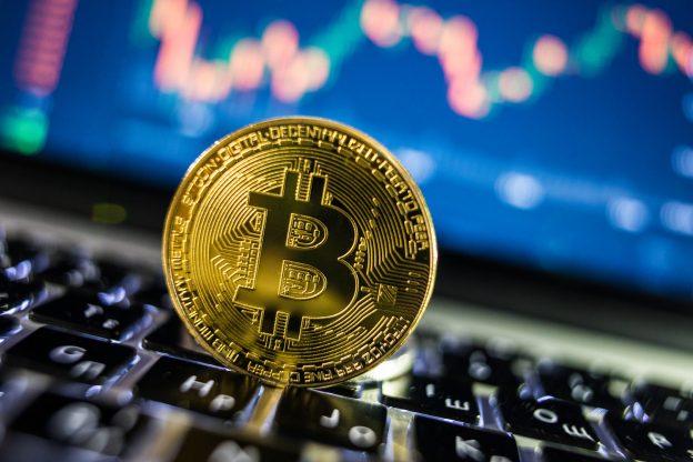 Bitcoin Melampaui $ 50.000 Dan Ethereum Mendekati $ 1.700