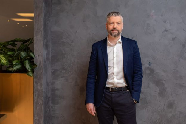 Renegade Crypto Exchange Mendaftar CEO Arus Utama untuk Makeover