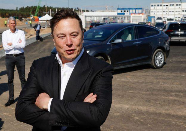 'What Does The Future Hodl?' - Elon Musk Menghormati Bitcoin dan Crypto Untuk Bom Tesla Setelah Perubahan Harga Yang Ekstrim