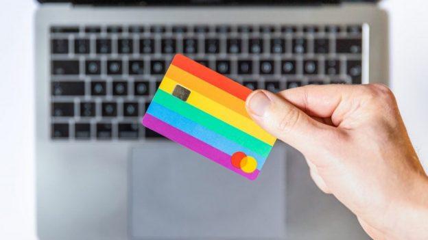10 Kartu Debit Crypto Terbaik tahun 2021 • Benzinga