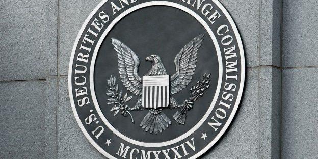 A.S. berada 'di belakang kurva' pada peraturan kripto, kata Komisaris SEC Peirce