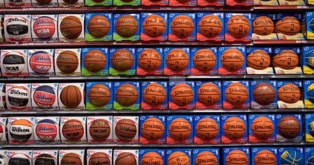 Raja NBA menawarkan gaji kripto; Coinbase mengalami pelambatan