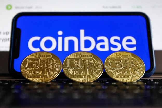 Saham Coinbase Turun 32% Karena Nilai Crypto Turun $ 220 Miliar