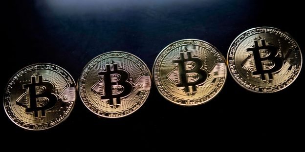 'Bitcoin sedang meleleh.' Inilah yang mungkin dikatakan penurunan 30% dari tertinggi dalam kripto tentang sentimen risiko pasar saham