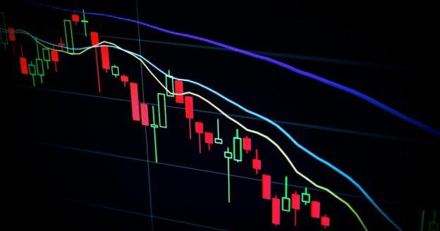 Major Crypto Exchanges Binance And Coinbase Down As Crypto Selloff Intensifies, Gas Fees Skyrocket
