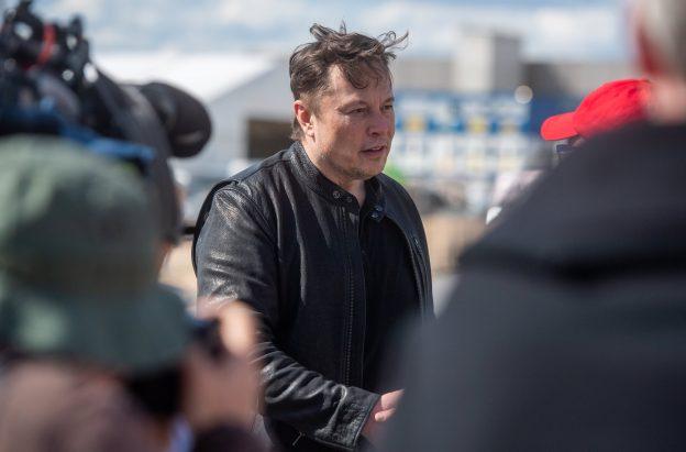 Tesla akan menerima bitcoin saat penambang menggunakan energi bersih