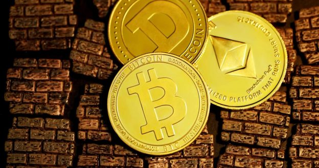 Bitcoin, Ethereum, Dogecoin Extend Losses In Crypto Crash, But This Once-Popular Crypto Is Striking Massive Gains Again