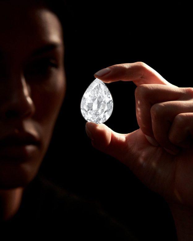 Sotheby's menjual berlian seharga $12,3 juta dalam bentuk kripto, transaksi mata uang digital termahal yang pernah ada
