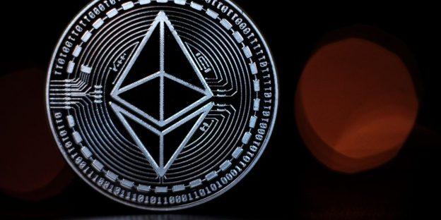 Bitcoin adalah raja crypto tetapi 'pendakian Ethereum ke puncak cryptoverse tampaknya tak terbendung,' kata analis