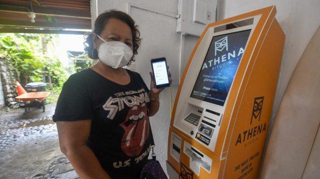 Wanita Beralih ke Crypto Untuk Pendanaan Dan Kebebasan Finansial Ketika Sistem Lain Diblokir