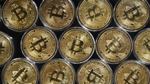 Bitcoin, ethereum, cardano, harga binance jatuh saat crypto jatuh