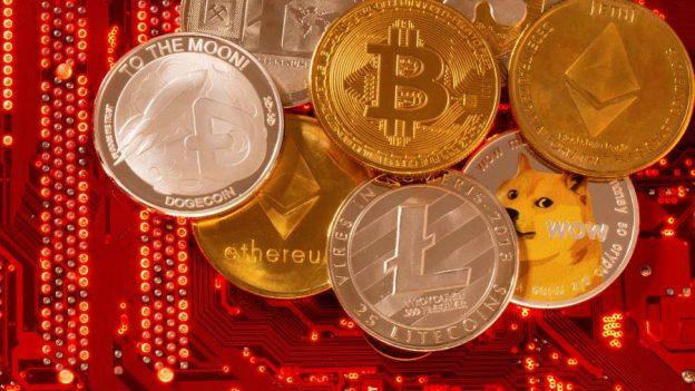 Perusahaan Crypto mengambil mantan regulator, tetapi beberapa berjuang untuk mempertahankannya